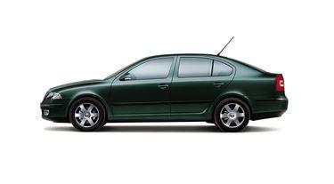 новый цвет green для octavia 2